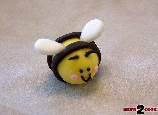 Fondant Easter Figures - Bee