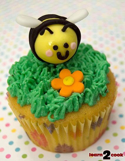 Easter Bumblebee Cupcake